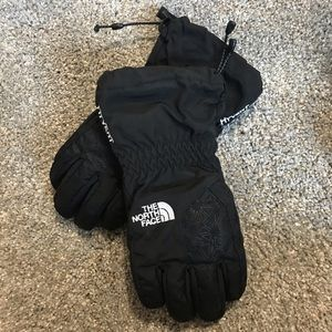 EUC The North Face Hyvent Youth Winter/Ski Gloves